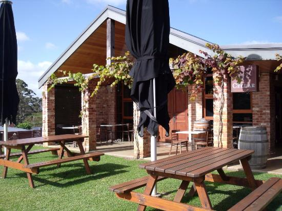 Singlefile Winery Restaurant - Lismore Accommodation