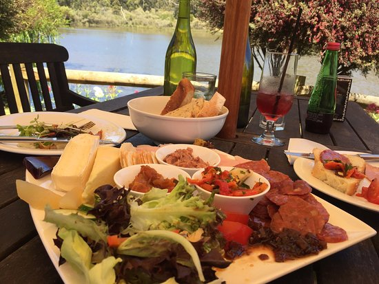 The Lake House Restaurant - Lismore Accommodation