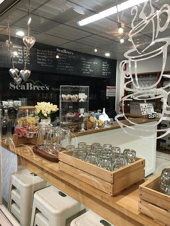 SeaBrees Homewares Cafe  Winebar - Lismore Accommodation