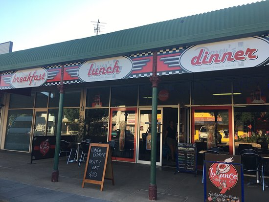 Darcy's Diner - Lismore Accommodation