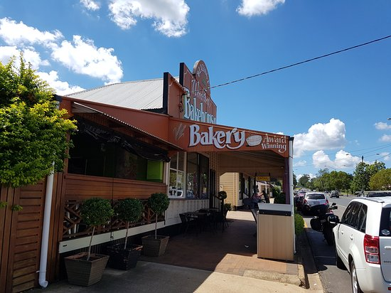 Blackbutt Woodfired Bakery - Lismore Accommodation