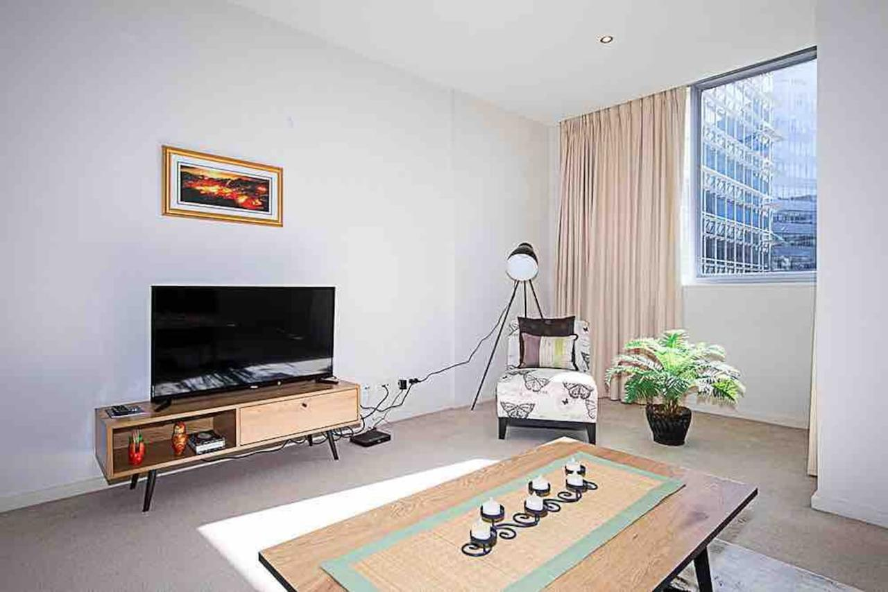 Spacious 1BR Stylish New Acton Apartment Parking - Lismore Accommodation