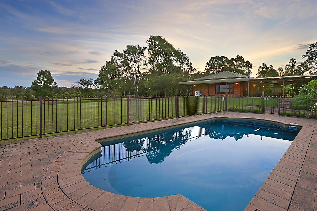 Ironstone Estate Lovedale - Lismore Accommodation