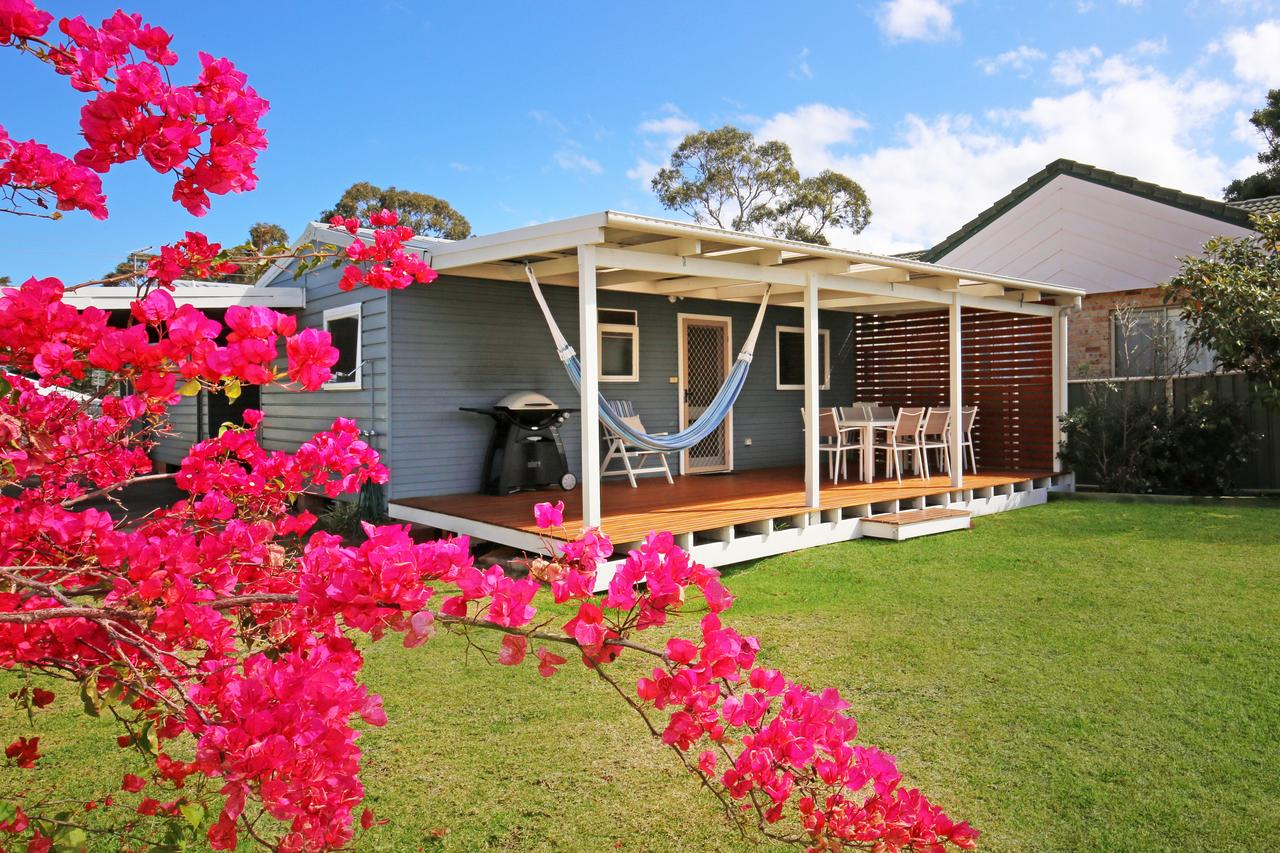 Hayes Beach House - Jervis Bay - Pet Friendly - Lismore Accommodation