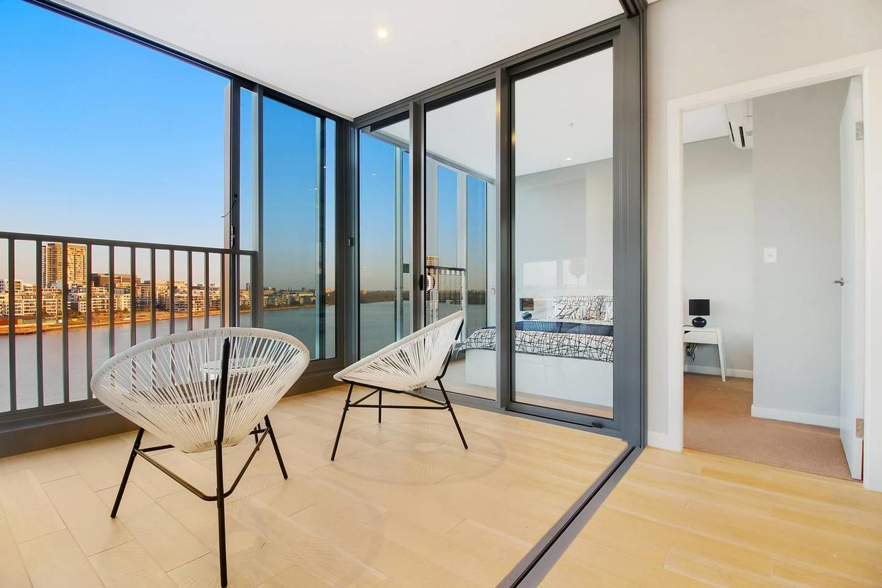 Brand New 3 Bedrooms Apt with Waterfront View - Lismore Accommodation