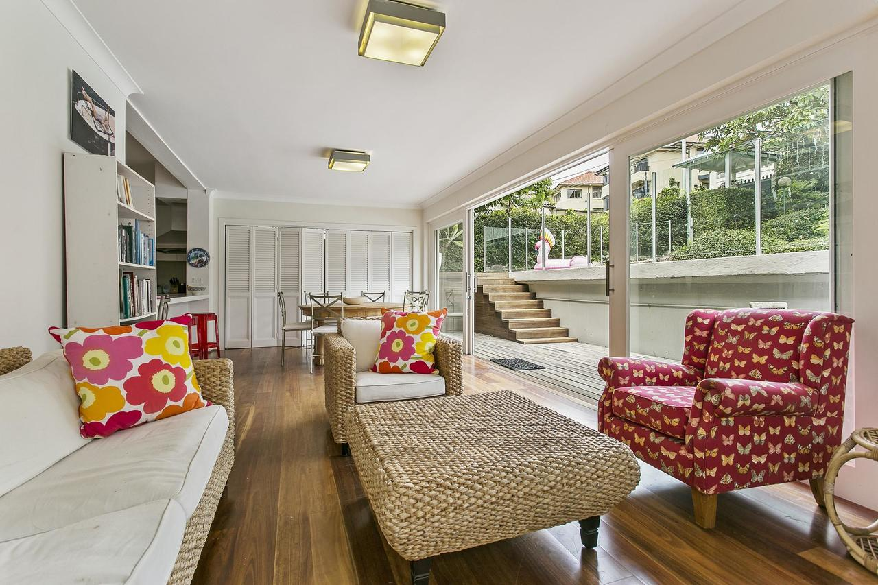 Summery spacious 4 bed home in Kurraba Point - Lismore Accommodation