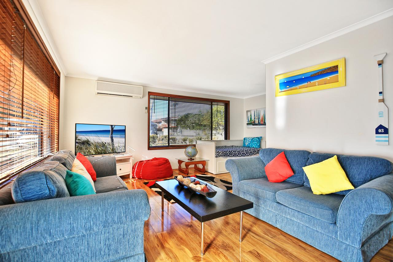 Sandy Toes Beach House Jervis Bay - 2min to Beach - Lismore Accommodation