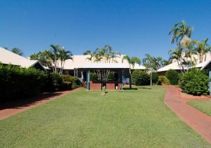 Cable Beach Apartments - Lismore Accommodation