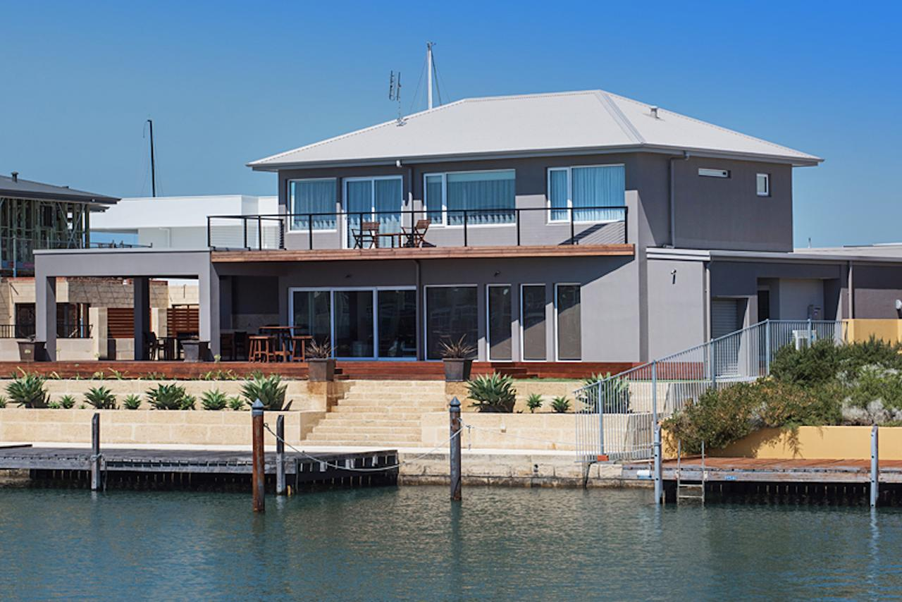 Oceans Edge - Busselton - Lismore Accommodation