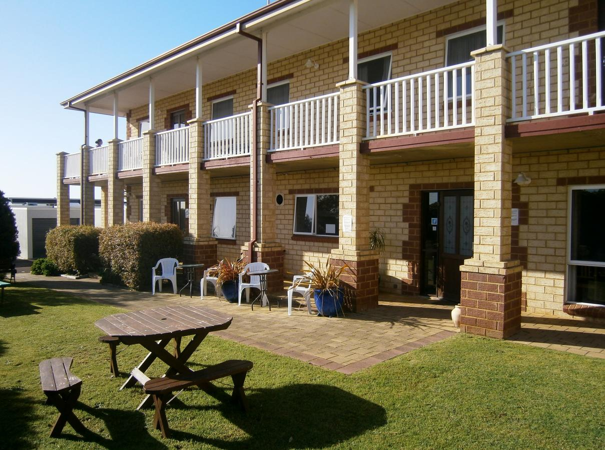 Baywatch Manor Augusta - Lismore Accommodation