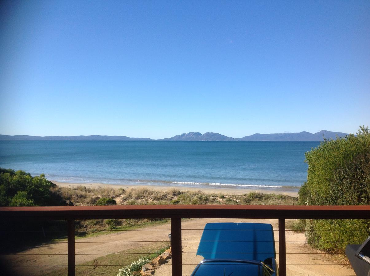 Swansea Beach House Oceanfront - Lismore Accommodation