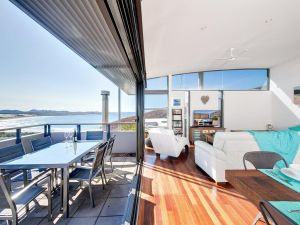 One Mile Cl Townhouse 22 26 The Deckhouse