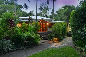 Port Douglas Valley Retreat - Lismore Accommodation