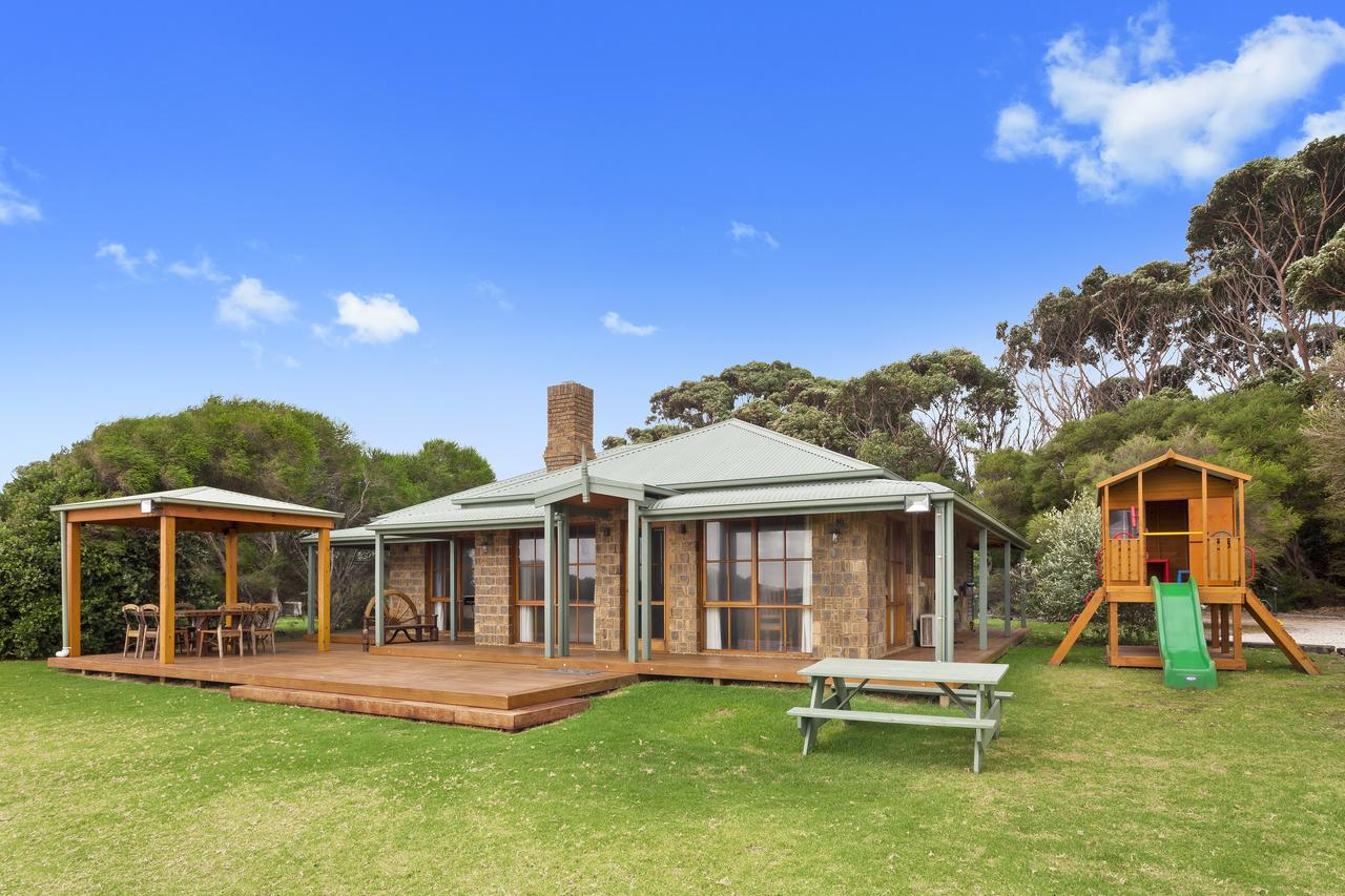 Apollo Bay Cottages - Lismore Accommodation