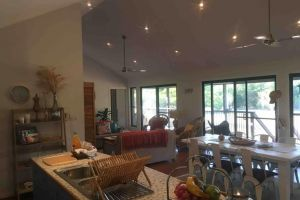 Valley Views Lodge Port Douglas - Lismore Accommodation