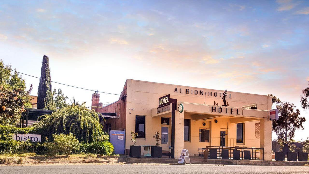 Albion Hotel and Motel Castlemaine - Lismore Accommodation