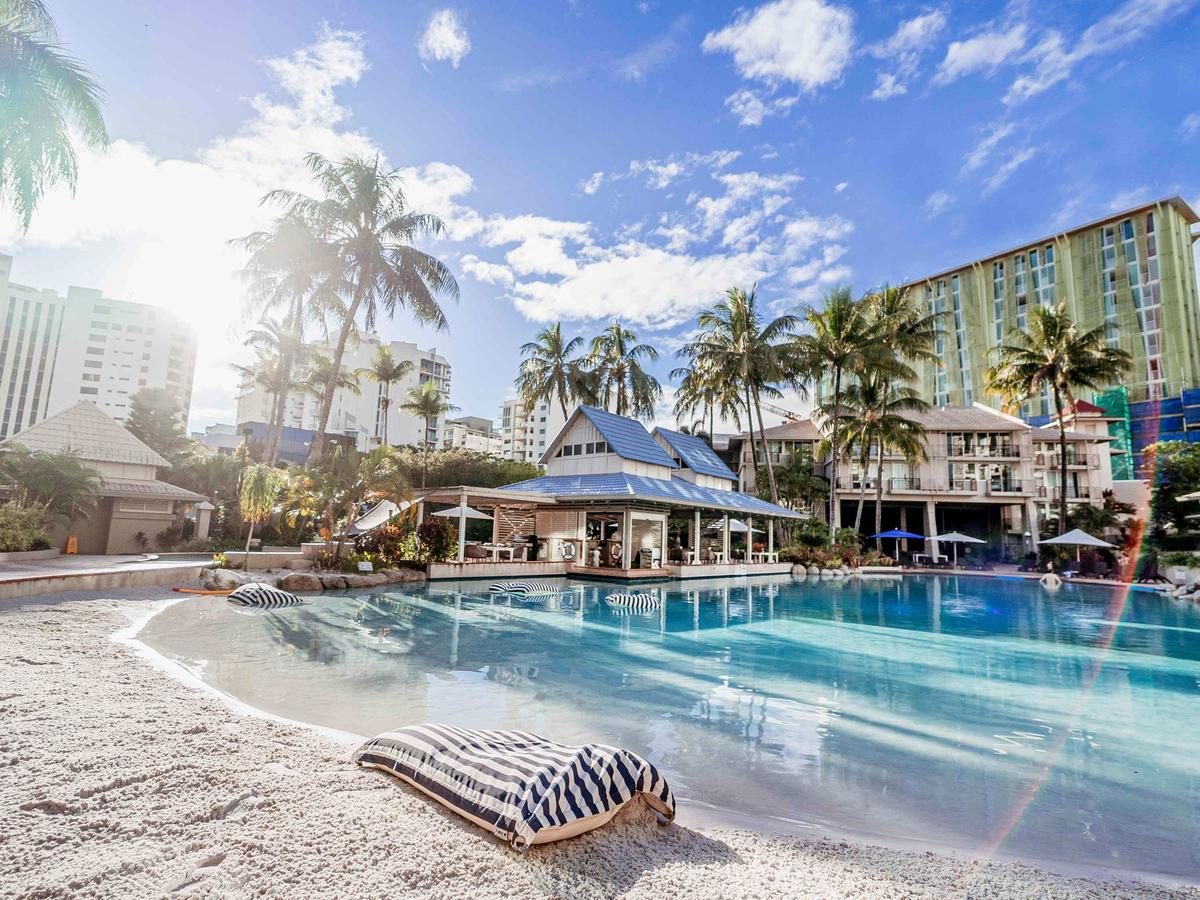 Novotel Cairns Oasis Resort - Lismore Accommodation