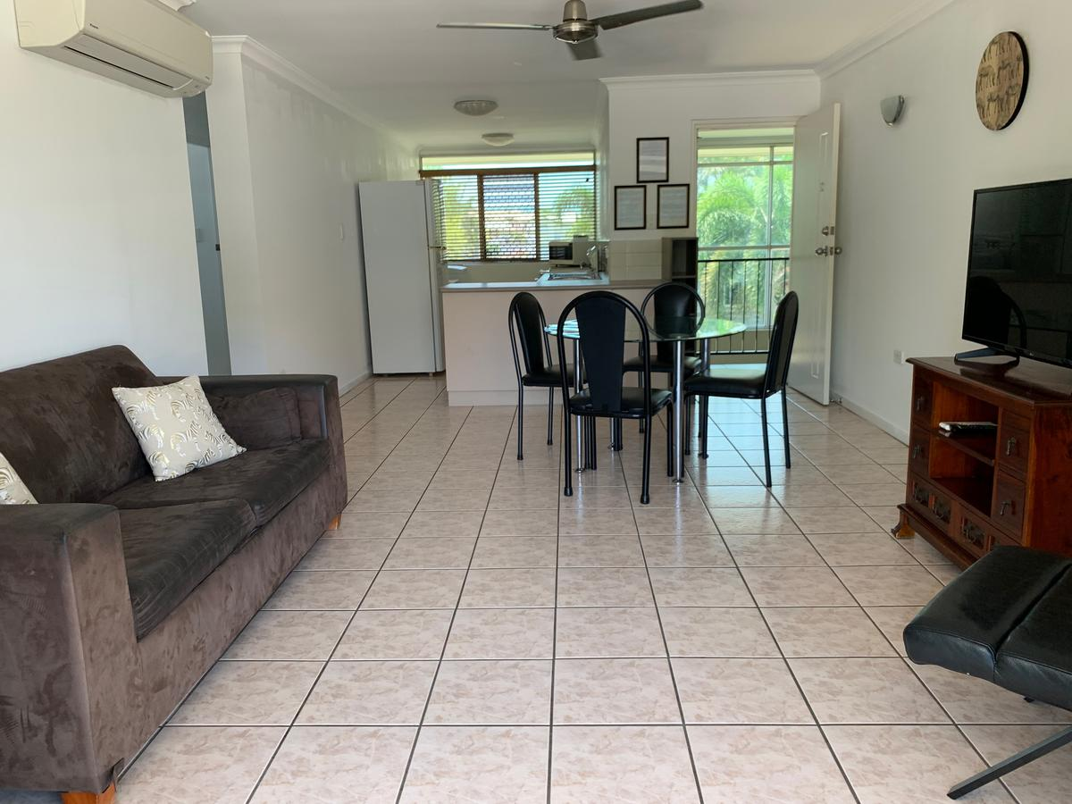 Townsville Holiday Apartments - Lismore Accommodation